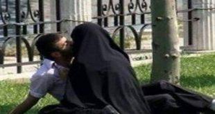 Embrassade d'une femme en Niqab