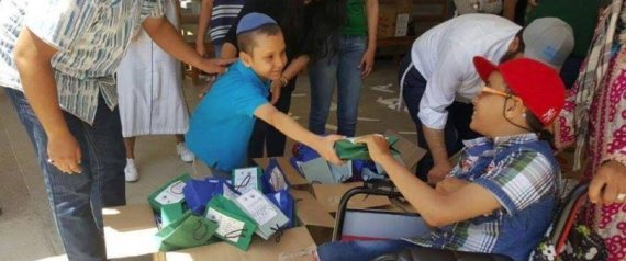Maroc-des-juifs-distribuent